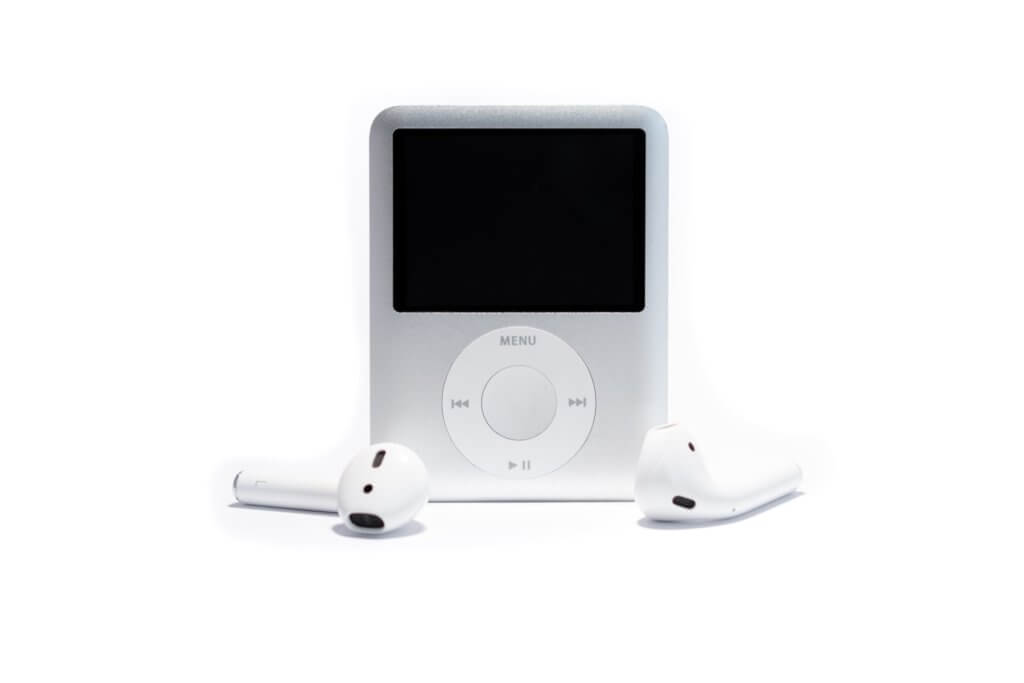white ipod nano 3rd generation